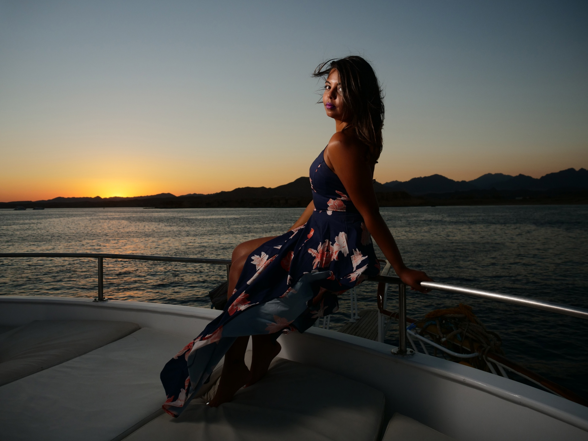 girl-on-yacht