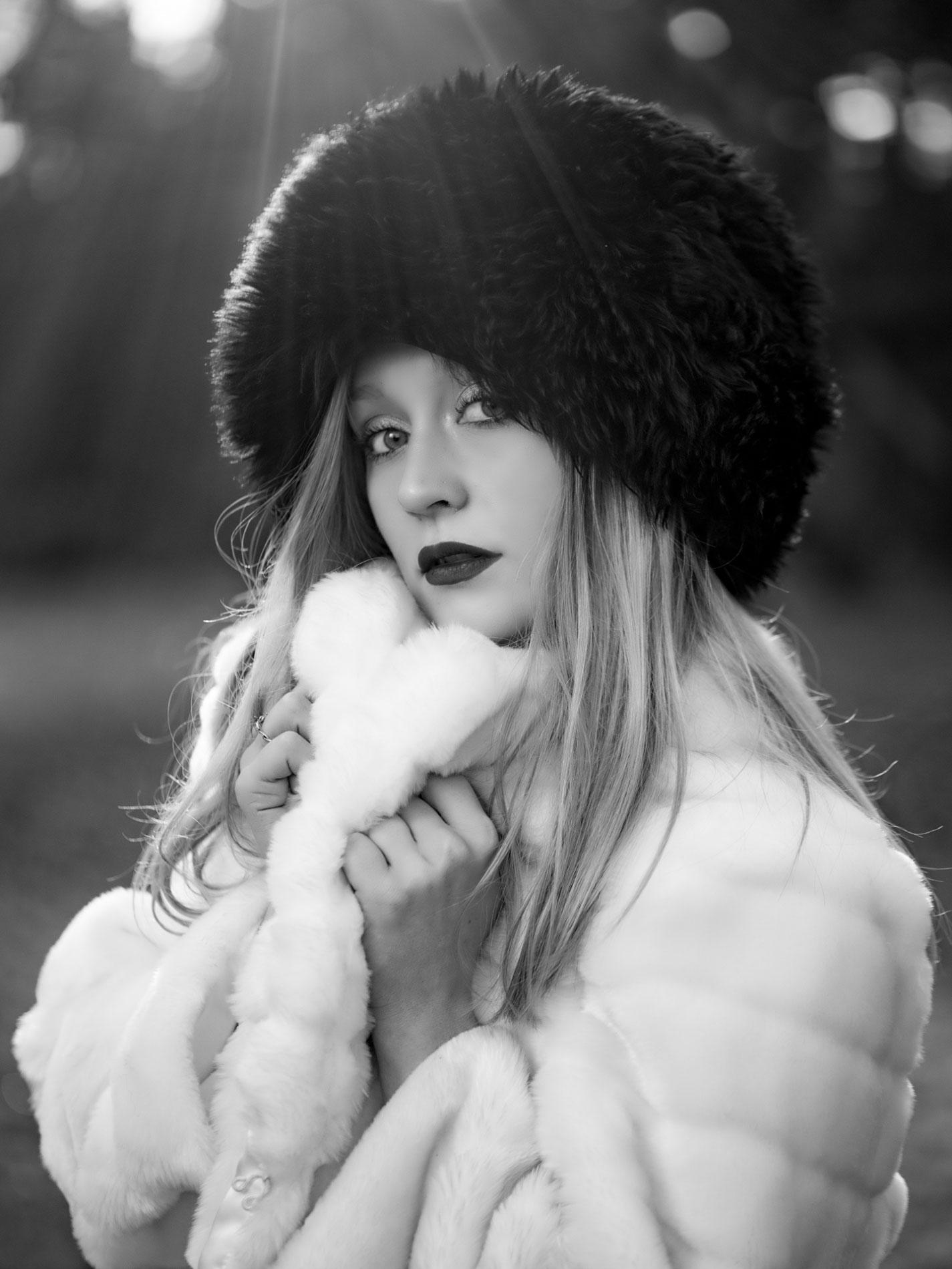model-in-russian-fur-hat